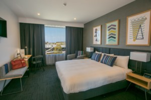 Alpha Hotel Eastern Creek - Club King Hotel Room